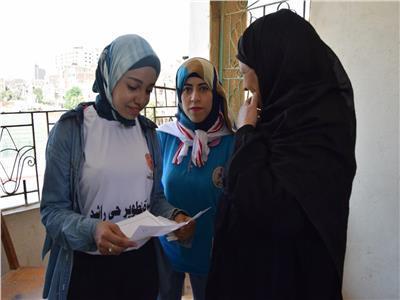 علاج 571 مريضًا بالمجان ضمن قافلة جامعة سوهاج بـ«حي راشد»