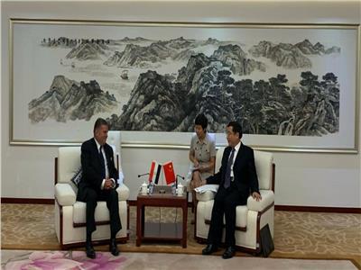 خلال زيارة وزير قطاع الأعمال مع وزير الصناعة الصيني