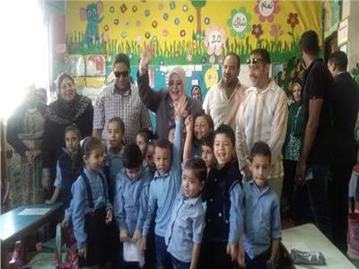 معلمون يتحملون مصروفات ١٧٠ تلميذا باحدى مدارس كفر الشيخ