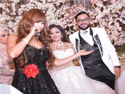 نجوان مع العروسين