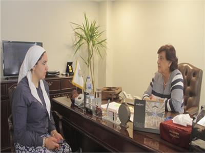 مدير منظمة المرأة العربية مع محررة بوابة أخبار اليوم