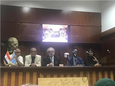 رئيس اتحاد كتاب الجزائر: مصر تتعرض لمؤامرة إرهابية