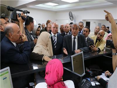 وزير التموين ومحافظ القاهرة يفتتحان مكتب تموين مدية نصر