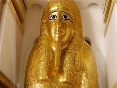 التابوت الذهبي للكاهن «نچم عنخ»