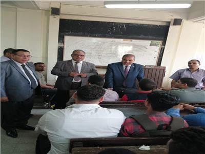 رئيس جامعة الأزهر يتفقد سير العملية التعليمية بكليات قطاع الدراسة