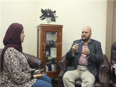 الأمين العام لدور وهيئات الإفتاء مع محررة «بوابة أخبار اليوم»