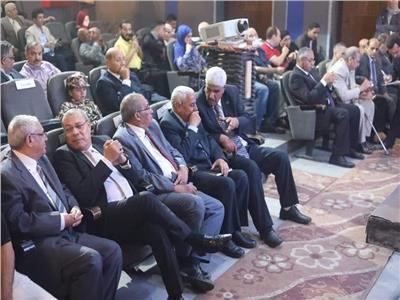 تكريم أبطال حرب أكتوبر في احتفال القومي للمسرح بذكرى النصر