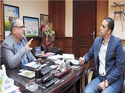 د. أحمد عبدالكريم خلال حواره مع «الأخبار»