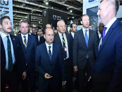 خلال أفتتاح  فعاليات المعرض والمنتدى التجاري للأسبوع الصناعي الكبير