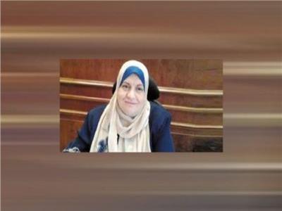 الدكتورة عادلة رجب