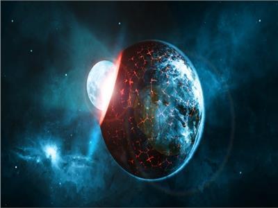 سقوط القمر على الأرض
