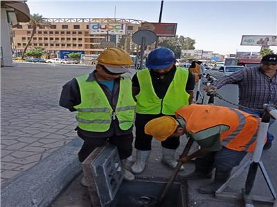 تطهير جميع بالوعات حي شرق مدينة نصر استعدادًا لفصل الشتاء
