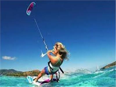 """شبكة """"سي أن أن"""" العالمية تسلط الضوء على سياحة المغامرة والتزلج على الماء في مصر"""