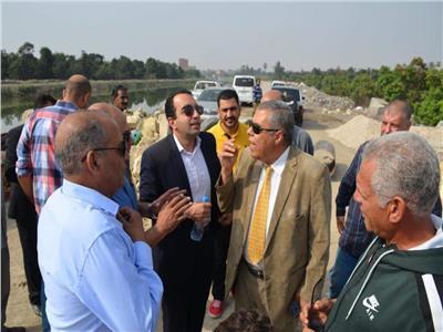 نائب محافظ الاسماعيلية يتابع اصلاح الانهيار الجزئى لجسر ترعة السويس