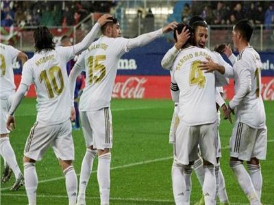 فرحة لاعبي ريال مدريد بالفوز