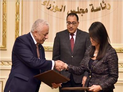 """رئيس الوزراء يشهد توقيع مراسم بروتوكول بين """"السياحة"""" و """" والتعليم"""""""