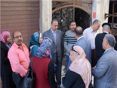 اللجنة الإستشارية لكلية الهندسة تعاين العقار المائل بالجمرك غرب الإسكندرية