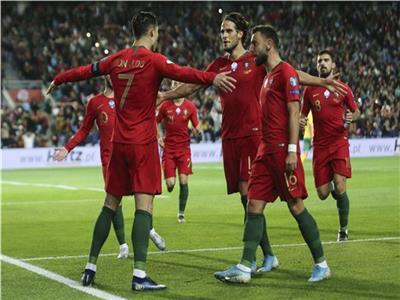 فرحة رونالدو مع لاعبي البرتغال بالفوز