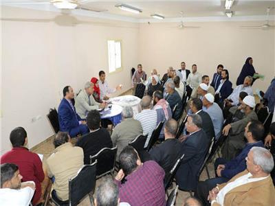 محافظ المنوفية يعقد لقاءً جماهيرياً مفتوح للإستماع إلي طلبات وشكاوي المواطنين بالسادات