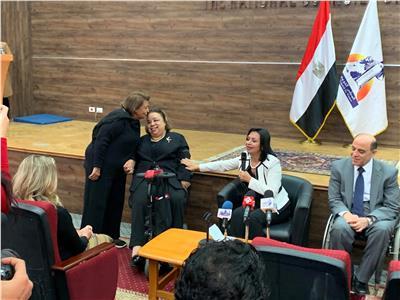 مايا مرسي توجه الشكر لوالدة النائبة هبه هجرس
