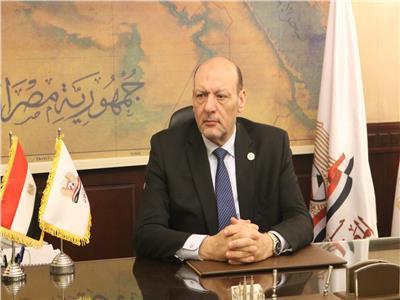 """الدكتور حسين أبو العطا رئيس حزب """"المصريين"""