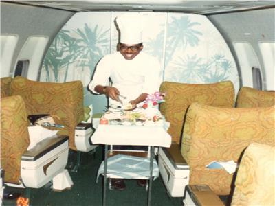 السعودي «بلو».. كفيف «عايش على الطيران» بأجنحة برايل