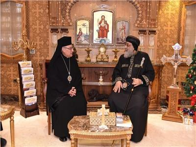 بطريرك الروم الكاثوليك يهنئ قداسة البابا تواضروس بالأعياد