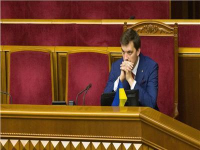 رئيس وزراء أوكرانيا يتراجع عن استقالته