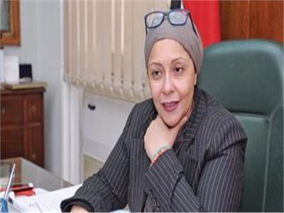 صفية القبانى أول سيدة تفوز بمنصب كانقيب للفنانين التشكيلين