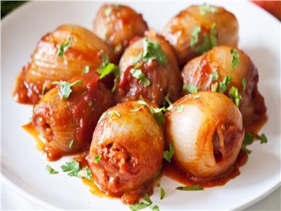 طبق اليوم .. «محشي البصل» وجبة مثالية للدايت