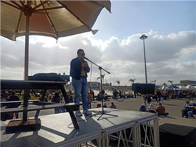 الناي يعزف ويبهر جمهور معرض القاهرة الدولي للكتاب
