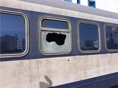قذف القطارات بالحجارة