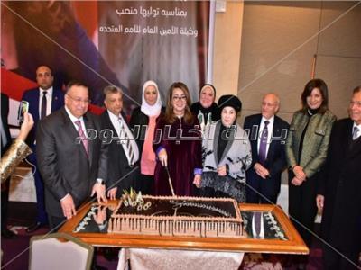 تكريم غادة والي من منظمات المجتمع المدني