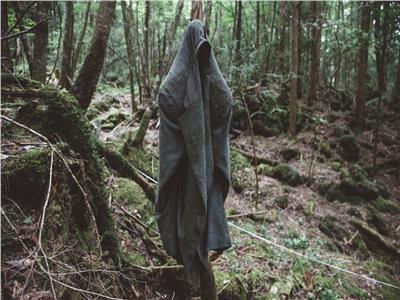 أحد المنتحرين في بحر الأشجار لم يتبق منه إلا سترته