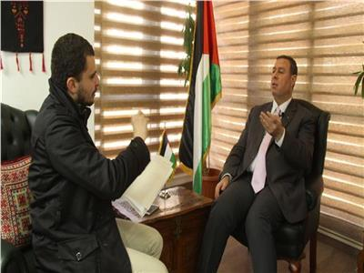 السفير دياب اللوح مع محرر بوابة أخبار اليوم (تصوير: محمد عيسوي)