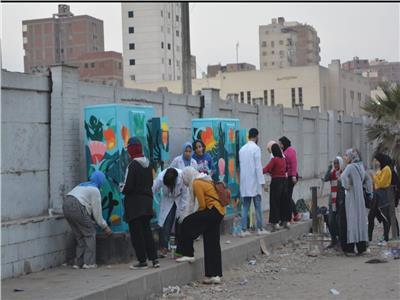 الجيزة تشارك الشباب تجميل الأسوار وكبائن التليفونات وغرف الكهرباء