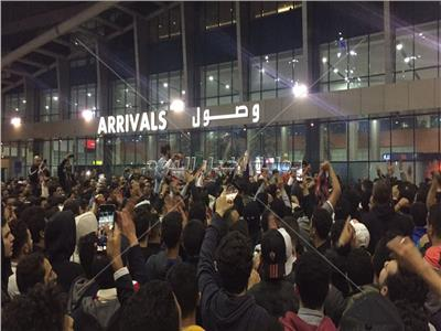 جماهير الزمالك في مطار القاهرة لاستقبال أبطال الفريق
