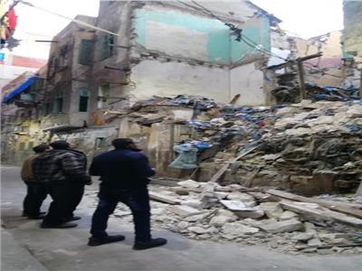 إزالة التعديات على أراضي السكة الحديد بالإسكندرية
