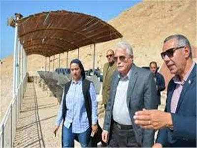 محافظ جنوب سيناء يتفقد منطقة حمام موسي