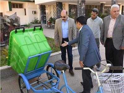 محافظ أسوان يشيد بدور القطاع الخاص فى دعم منظومة النظافة