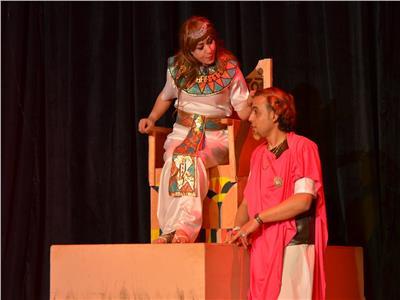 انتهت كليوباترا من سرد مذكراتها على مسرح الزعيم