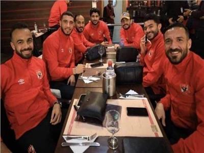 بعثة الأهلى تصل إلى القاهرة بعد التأهل الأفريقى