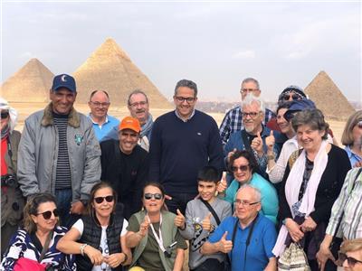 وزير السياحة و الآثار يتفقد منطقة الأهرامات