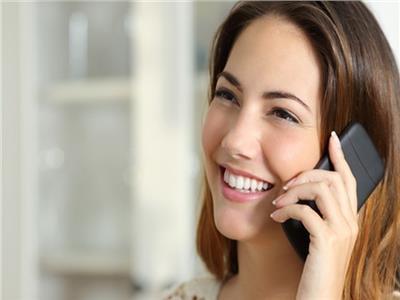طبيب يحذر من زيارة الأم في عيدها.. ومكالمة هاتفية تكفي