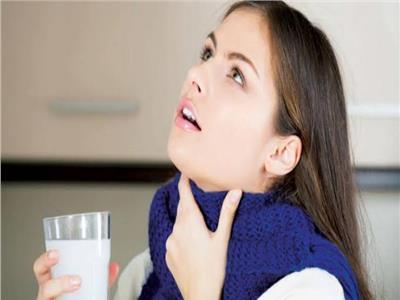 محلول الملح للغرغرة وتعقيم الفم