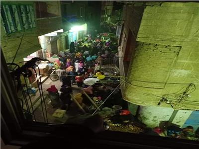 زحام في سوق أوسيم المقام ليلا