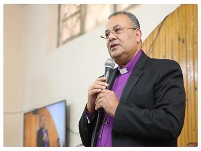 القس اندريه زكى رئيس الطائفة الانجيلية