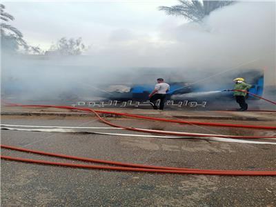 رجال الحماية المدنية يسيطرون على الحريق