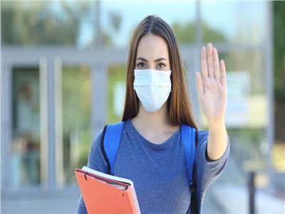 المرأة خط الدفاع الأول للأسرة ضد فيروس كورونا