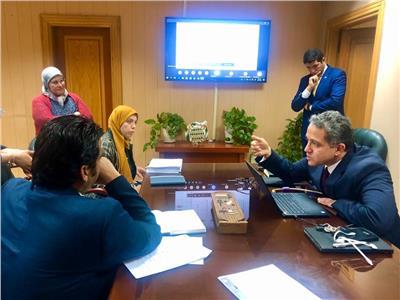 وزير السياحة يجتمع مع شركة مايكروسوفت عبر الفيديو كونفيرانس